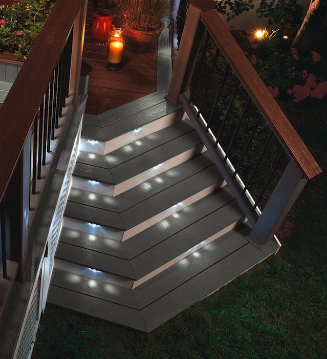 Stairlighting System Offers New Decklighting System